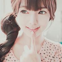 学着微笑唯美QQ头像:快乐都是自己,每一天而起