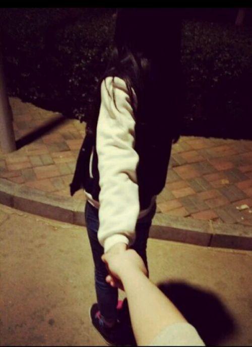 深恋拥抱的qq情侣大图皮肤:深情柔意,只亲你拥有