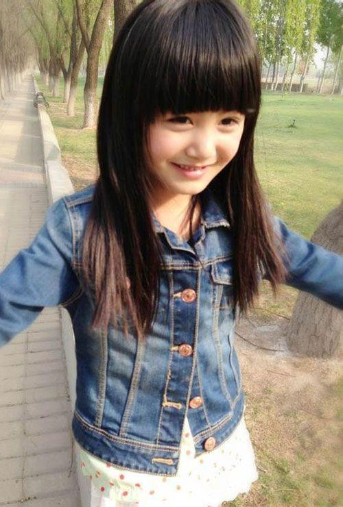 QQ可爱皮肤图片 笑脸的童真小菇凉