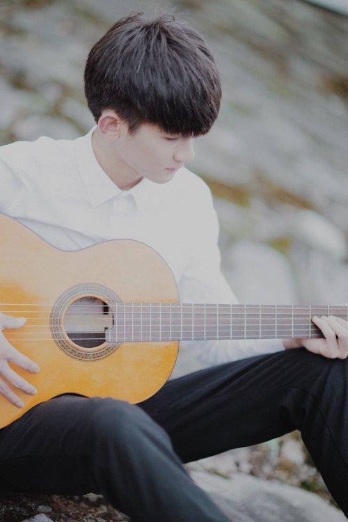 爱弹吉他的男孩皮肤:回忆