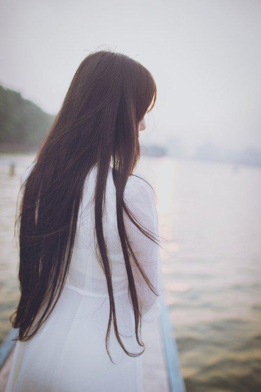 qq皮肤女生背影长发 好看的背影女生图片
